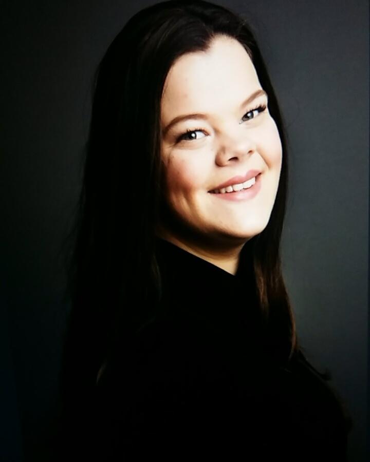 Profielfoto van Moniek, zij heeft jaren musicalles vlakbij Zevenhoven gevolgd